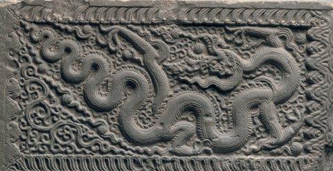 Hình Ảnh Rồng Được Sử Dụng Rất Nhiều Trong Các Hoa Tiết Trang Trí Kiến Trúc  Đặc Biệt Là Trên Đá